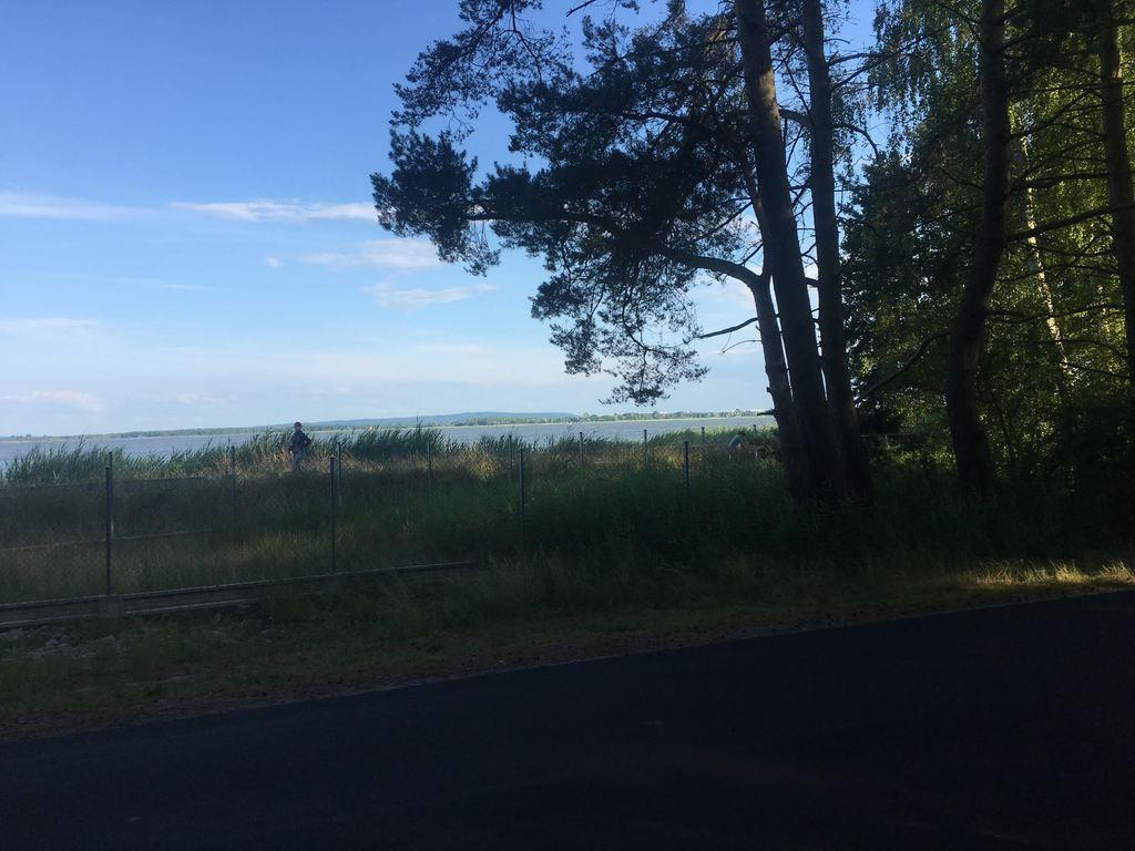 Co chwilę mamy przed oczami jezioro Jamno
